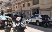 Μάνα και γιος βρέθηκαν νεκροί στην Πτολεμαΐδα και δίπλα μια καραμπίνα