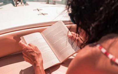 Πέντε ελληνικά μυθιστορήματα για το καλοκαίρι