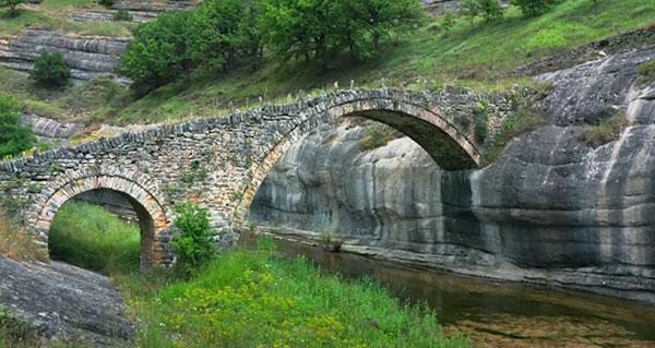 Tο γεφύρι της Σβόλιανης στην Αγία Σωτήρα Βοΐου