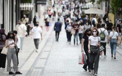 Χαλάρωση μέτρων: Καταργείται άμεσα η μάσκα στους εξωτερικούς χώρους – Ανακοινώσεις στις 18:00 από τον Χαρδαλιά