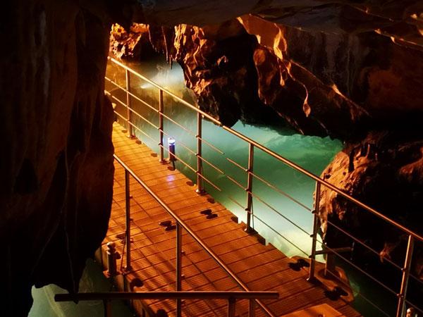 Εκπαιδευτική επίσκεψη στο Σπήλαιο του Δράκου πραγματοποίησε το ΚΔΑΠ της Κοινωφελούς Επιχείρησης «ΟΡΕΣΤΕΙΑΣ» του Δήμου Καστοριάς