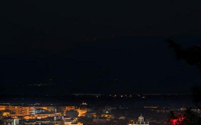 Η φωτογραφία της ημέρας: Το αυγουστιάτικο φεγγάρι της Κοζάνης