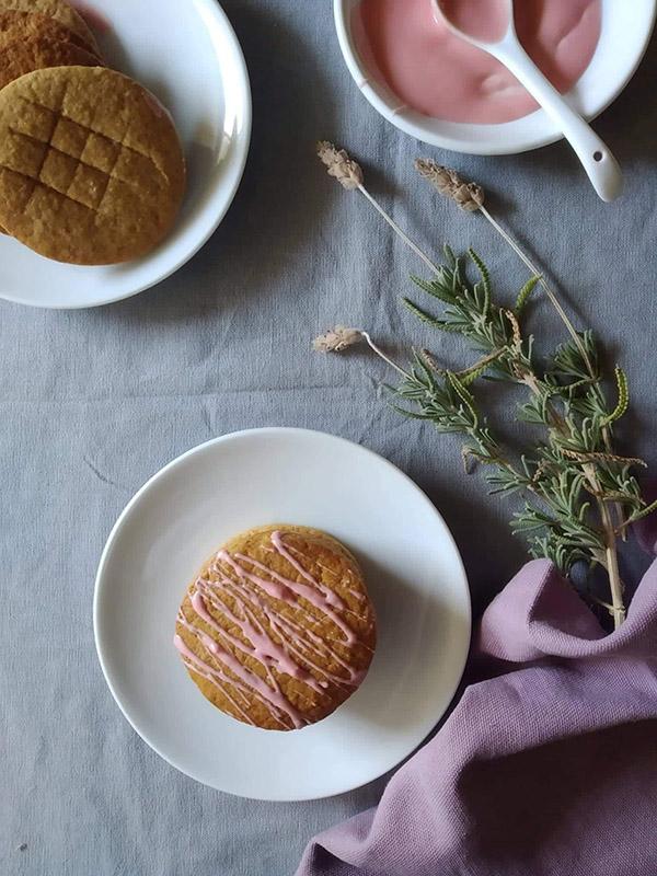The 3 Cooks: Ginger cookies με ροζ γλάσο