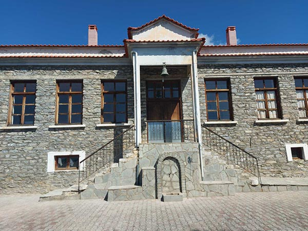 Εργασίες στο πρώην Δημοτικό σχολείο Δρυοβούνου