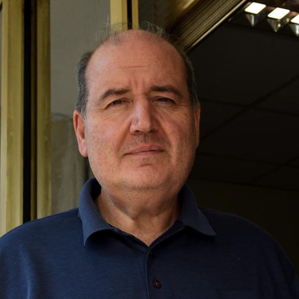 Νίκος Φίλης: Δυο στιγμές, δυο ντροπές για την κυβέρνηση που δεν προστάτεψαν το Λύκειο Αμυνταίου
