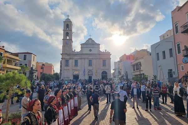 Στην Μητρόπολη Χανίων για λαϊκό προσκύνημα η σορός του Μίκη Θεοδωράκη - Δείτε ζωντανά - Πρωινός Λόγος Κοζάνη