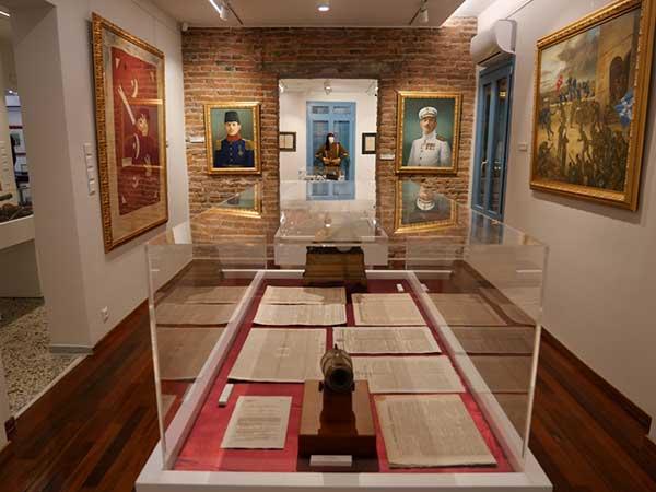 Δήμος Γρεβενών: Εγκαινιάστηκε ανήμερα των «Ελευθερίων» η μεγάλη έκθεση εθνικών κειμηλίων και τεκμηρίων